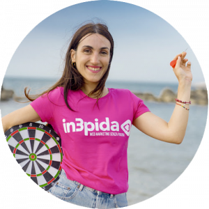 Claudia B, Specialista copy e social media